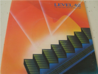 Level 42 - The Sun Goes Down (Living It Up) 7 inch vinyl